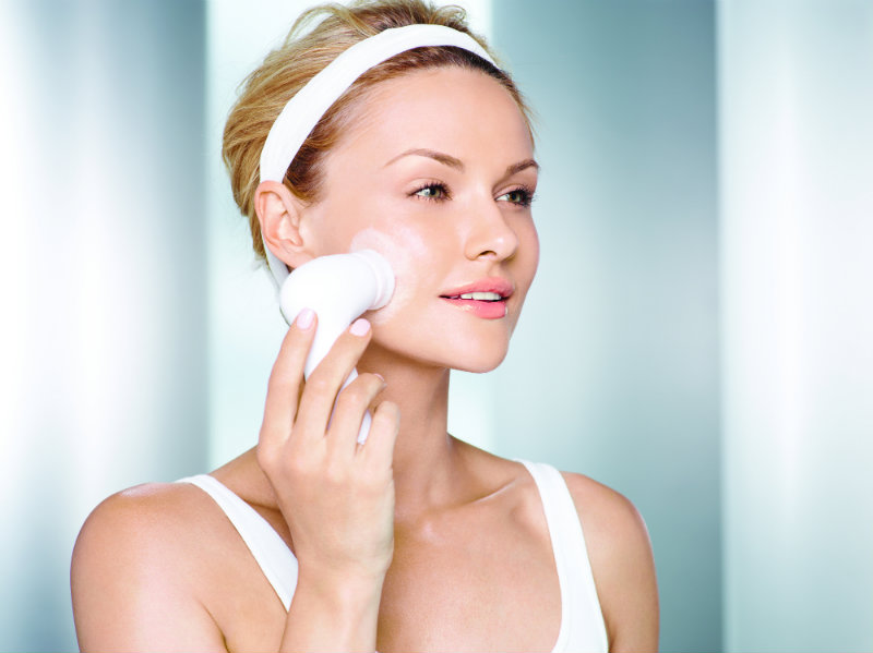 Prevent Your Skin From Premature Aging With Safe Products